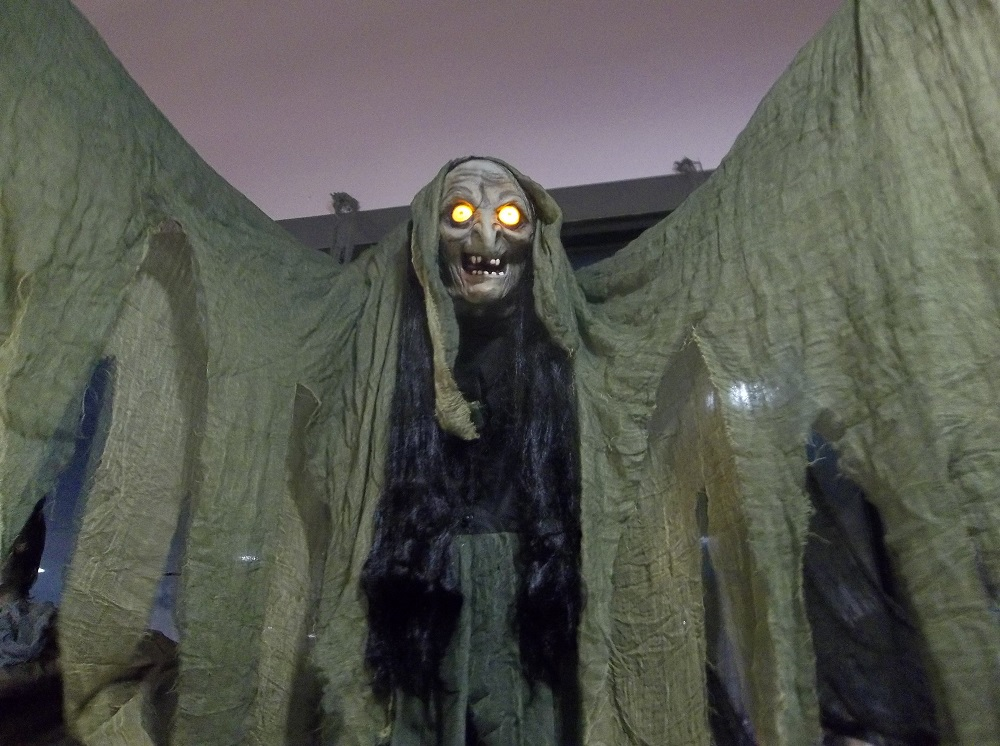 six foot animatronic witch at halloween express